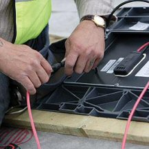Wiring up solar roof tiles - solarcentury