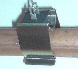 Temperature sensor clipped onto 15mm copper pipe