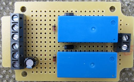 Simple hen house door controller circuit
