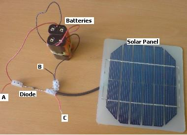 Simple 4 AA battery solar charger
