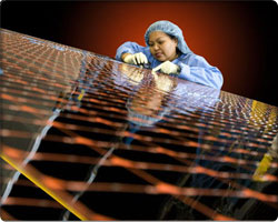 Spectrolab 40% efficiency solar cells
