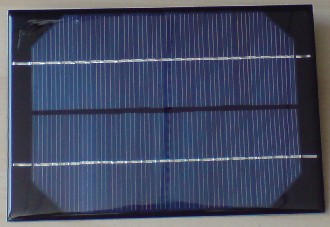 12 VOLT 3 WATT SOLAR PANEL. Waterproof 12 Volt 3 Watt Solar Panel - 199 x 136mm with fitted leads (fiberglass and resin).