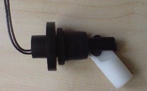 FLOAT SWITCH. Compact float switch for low and high liquid level testing with sealed reed relay (SPST) offering NO and NC operation