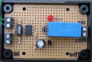 LIGHT DARK SENSOR CIRCUIT RELAY. Switch on lights or other devices (<10 Amps total) according to level of ambient light. User configurable